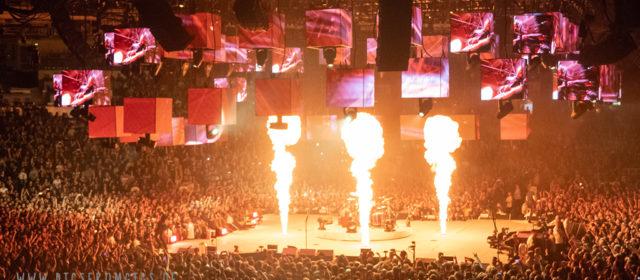 Metallica lassen die Schleyerhalle abheben.