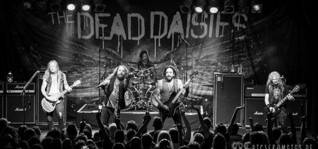 The Dead Daisies supporten Foreigner in Stuttgart