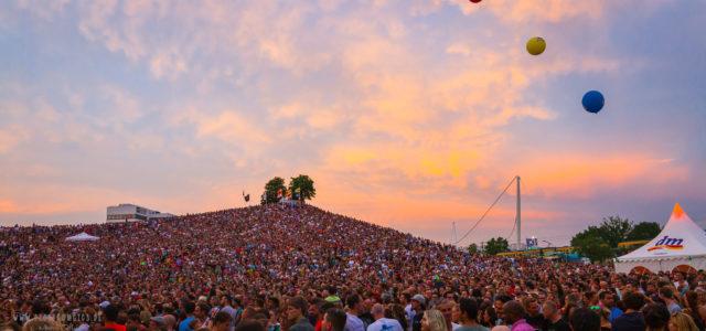 Zwei Festivals im Festival: Bei DAS FEST in Karlsruhe geht es auf Feldbühne und DJ-Bühne bei freiem Eintritt mächtig ab.