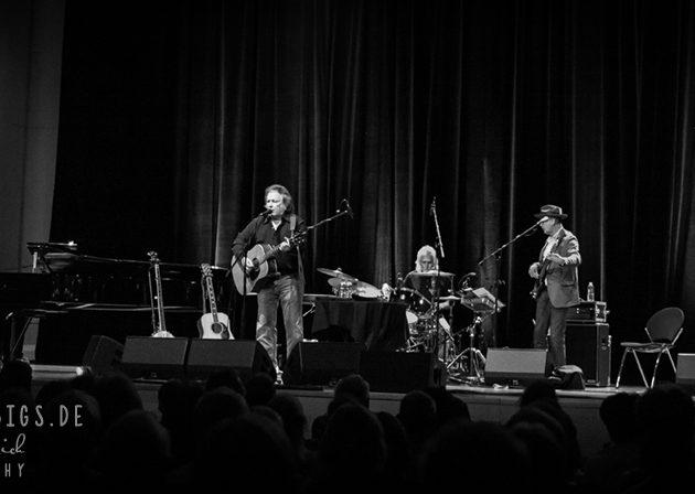 Legende und Newcomer : Don McLean und Jarrod Dickenson in der Heilbronner Harmonie