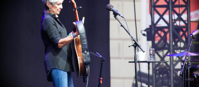 Sold-Out-Award Übergabe an Joan Baez in Ludwigsburg im Rahmen der KSK-Open 2018