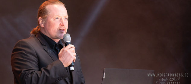 Joey Kelly eröffnet das LIVE-Programm auf dem BW-Bank-Kulturwasen in Stuttgart